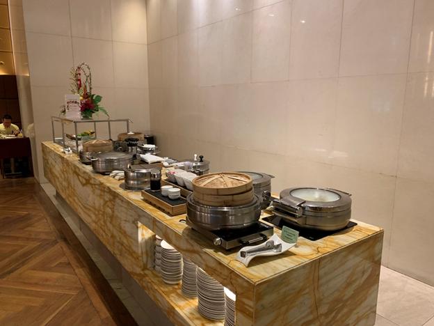 SilverKris Lounge First Class Lounge Buffet Tables
