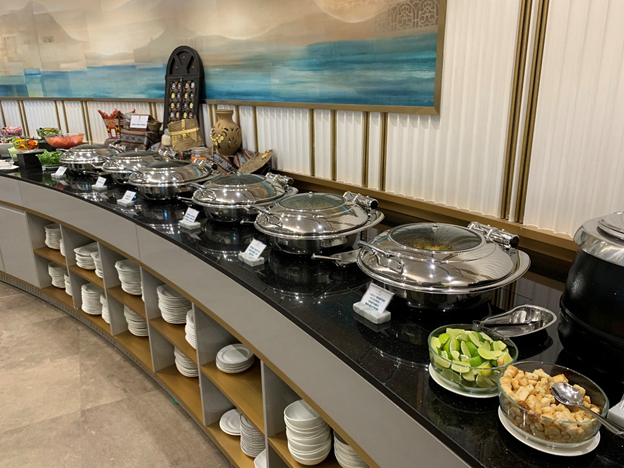 Business and First-Class Lounge Hot dish Selection