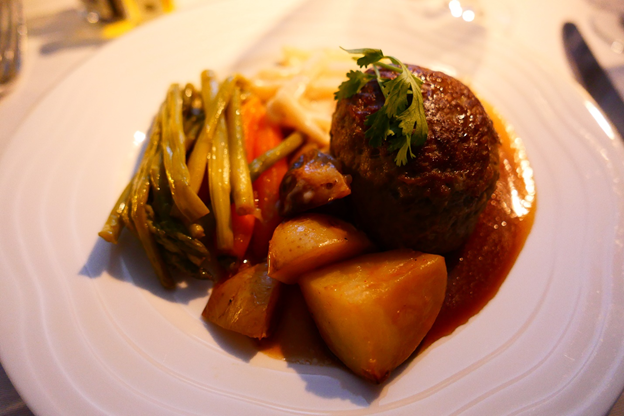 Emirates First Class Main Course